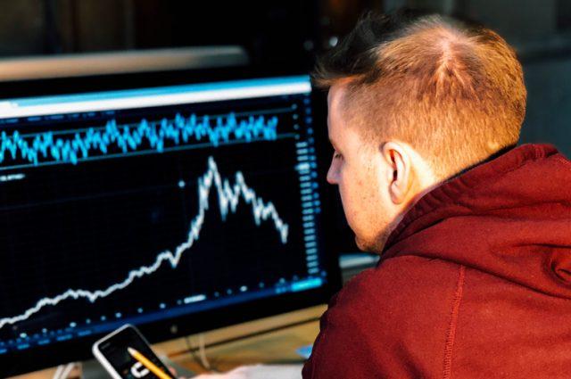 I Bitcoin: il futuro dell'economia o truffa per gli inesperti? Pro e contro