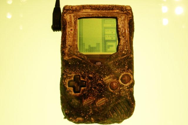 La storia del Game Boy superstite di guerra