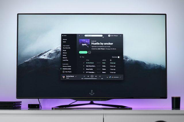 Come scegliere una televisione: dalla risoluzione al tipo di schermo